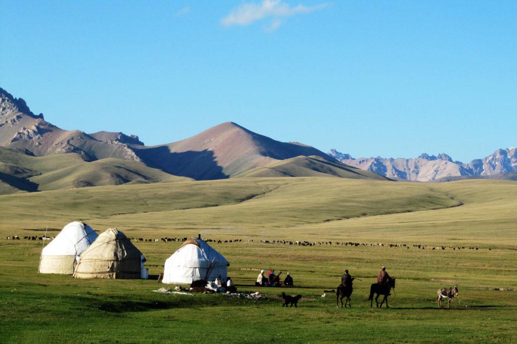 20151021_titel_Kirgistan
