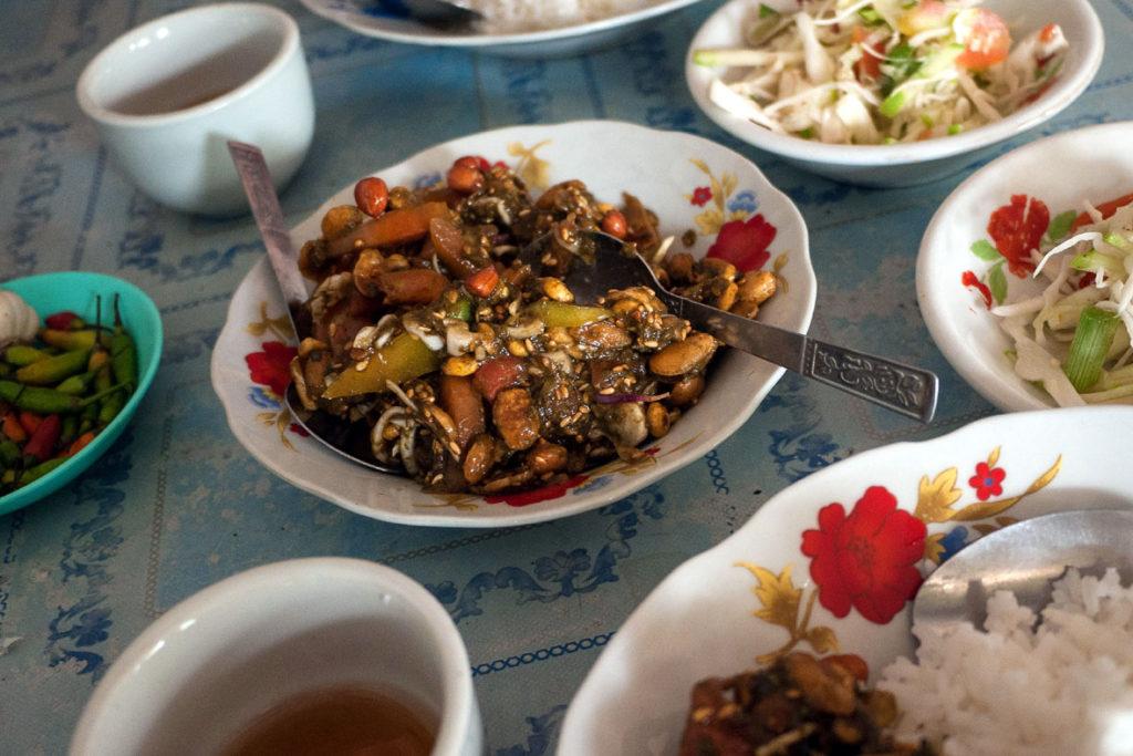 Teeblattsalat - eine burmesische Spezialität