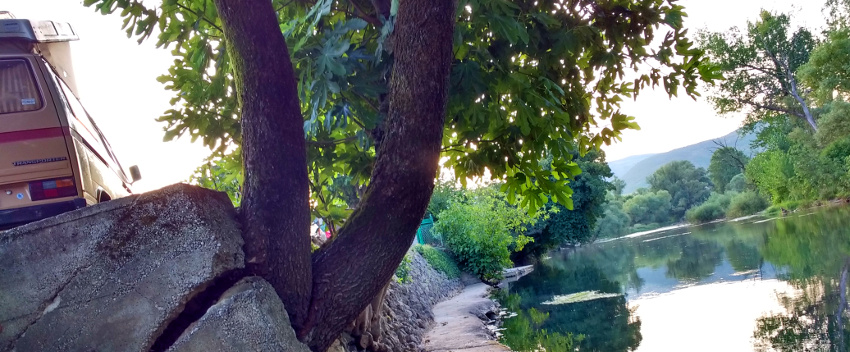 Camping mit Familienanschluss am Fluss Buna