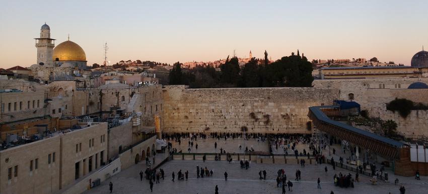 Klagemauer und Felsendom in der Altstadt von Jerusalem