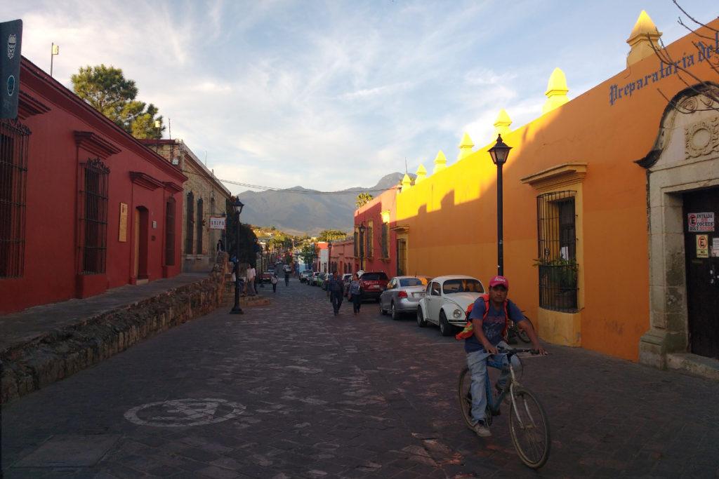 20180427_titel-1_Oaxaca Strassenszene (c) Jäger des verlorenen Schmatzes