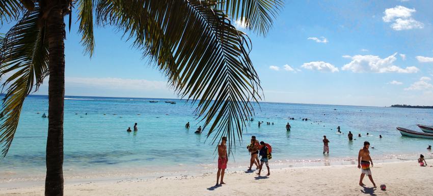 Ein Strand wie im Paradies. Nur leider (meistens) zu voll.