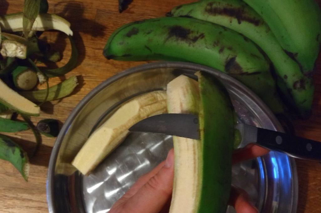 titel2_2019-01-15_Uganda kochen Matoke Posho (c) www.jaegerdesverlorenenschmatzes.de
