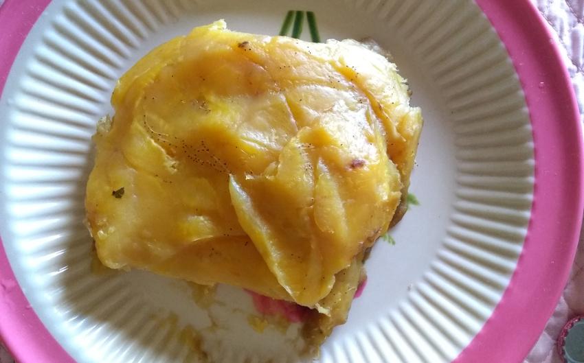 So haben wir Matoke meistens gegessen - mal feiner, mal etwas gröber zerdrückt.