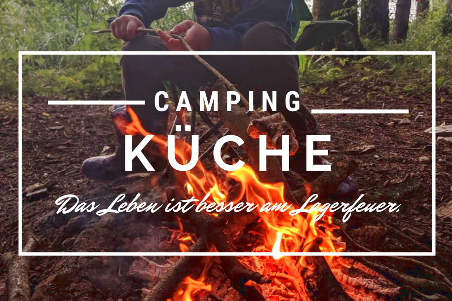 titel_Campingküche Lagerfeuer Räuchern Backen Kochen CANVA (c) www.jaegerdesverlorenenschmatzes.de
