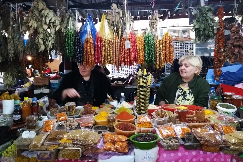 Ein Muss für Foodies: der Wochenmarkt in Kutaisi