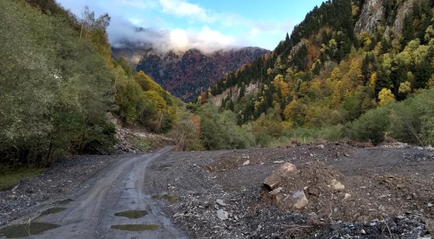 Streckenweise ist die Straße nach Ushguli auch gar nicht so wild...