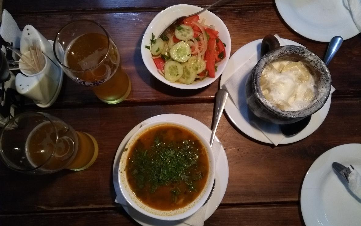 Gutes Essen, gutes Bier, gute Musik. Was will man mehr?