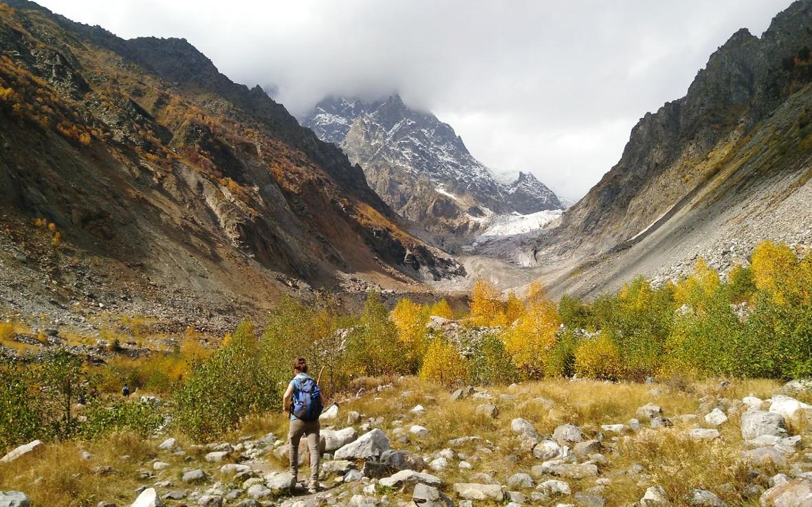 Die Wanderung zum Chalaadi-Gletscher ist einfach, dafür aber umso schöner